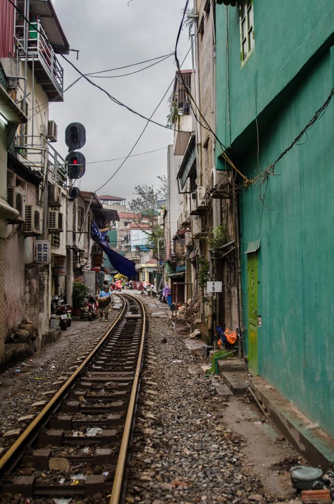 The Door Railway, Hanoi