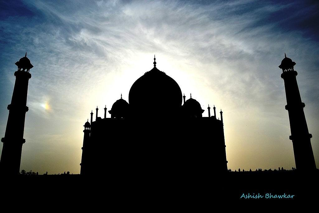 1024px-The_Black_Taj