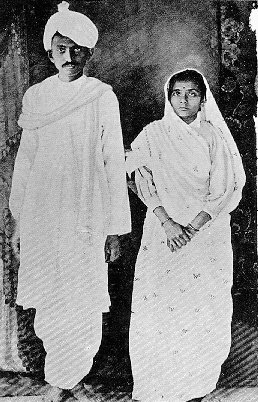 Gandhi_and_Kasturbhai