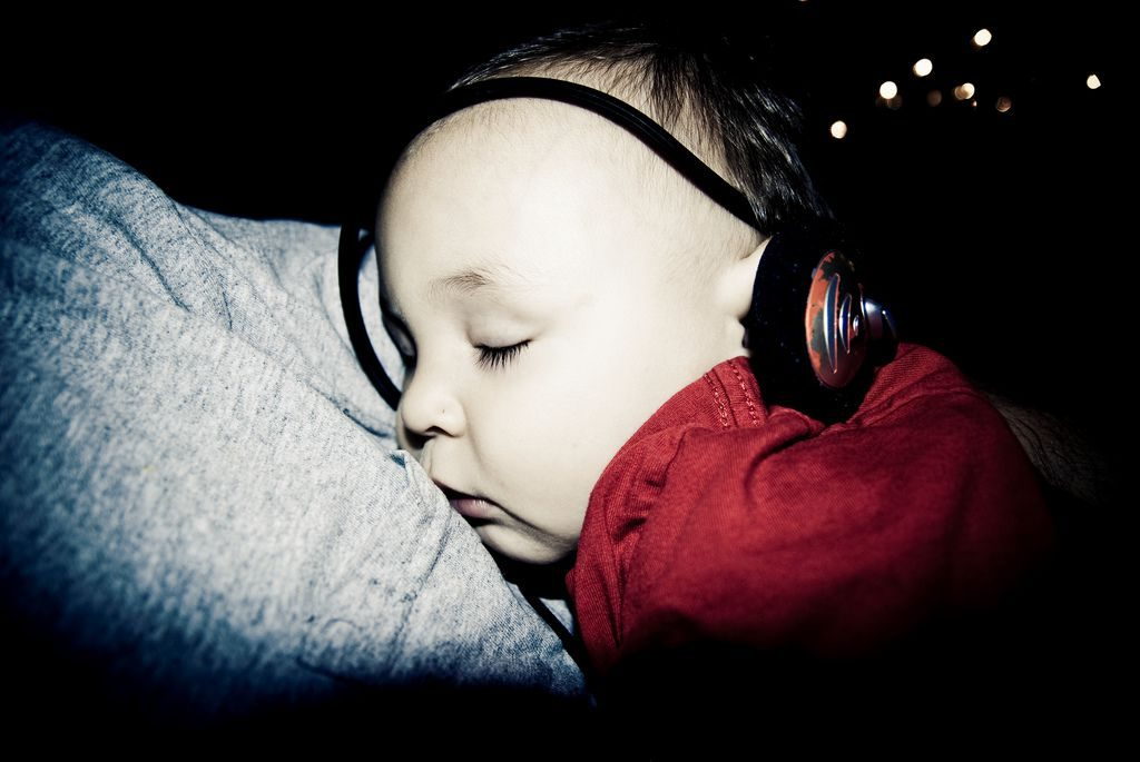 Sleep hypnosis podcasts